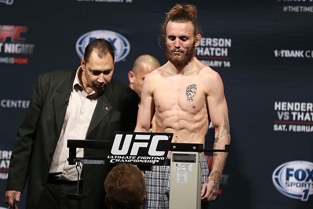Тим Эллиот против Бена Нгуена на UFC Fight Night 110