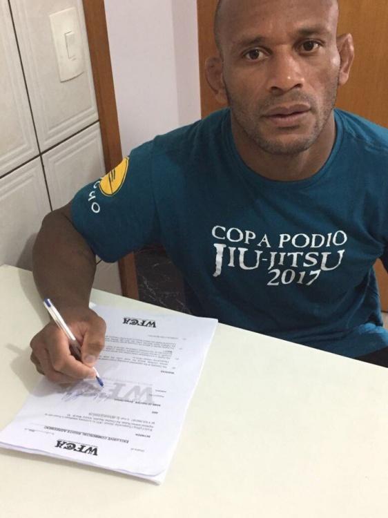 Дельсон Хелено подписан в WFCA