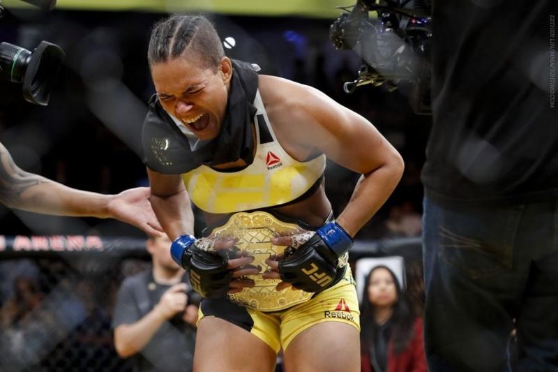 Топ-10 боев среди женщин в истории UFC