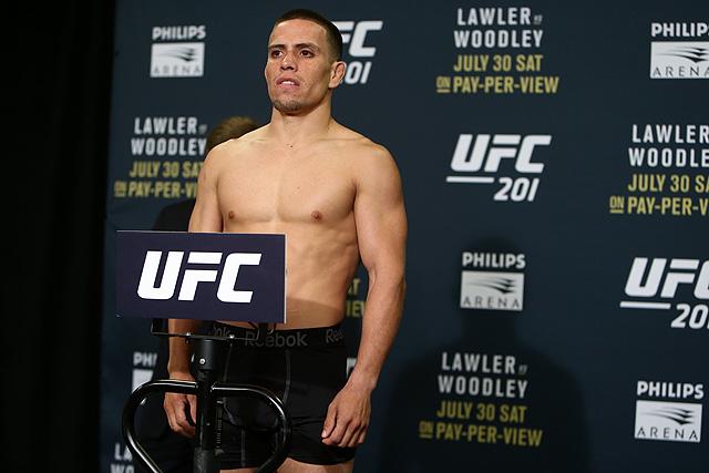 Фредди Серрано — Гектор Сандовал на турнире UFC on FOX 22