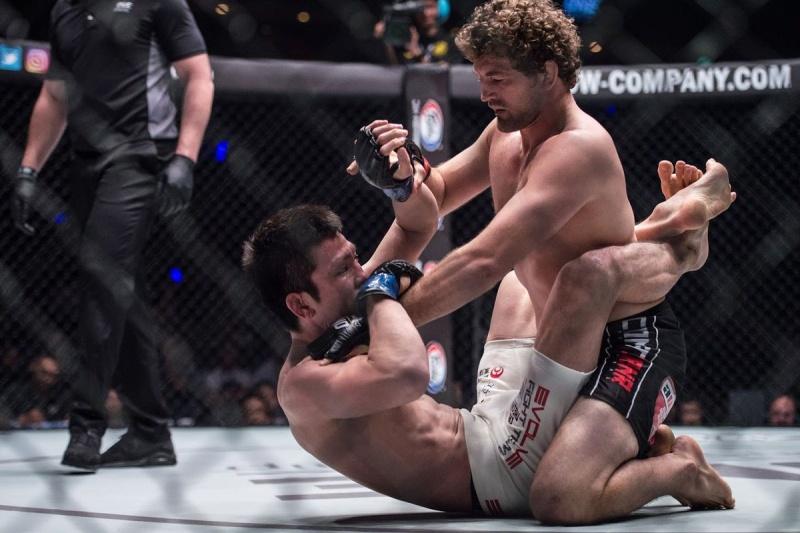 Нападение Бена Аскрена на полусредневесов UFC в Twitter