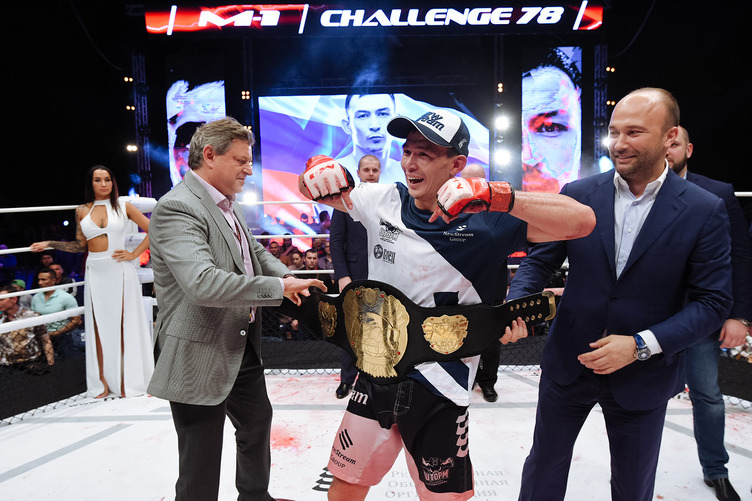 Дамир Исмагулов стал обладателем чемпионского титула M-1 Challenge