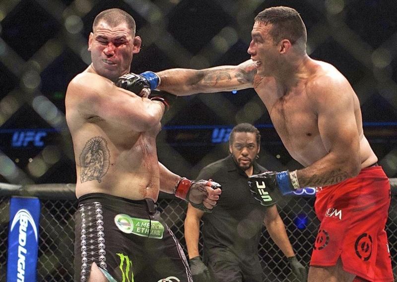 Топ-10 титульных боев в тяжелом весе UFC