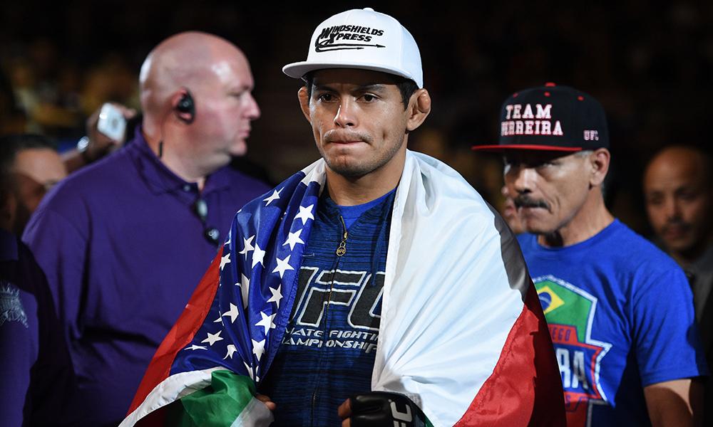 Легковес UFC Диего Феррейра провалил допинг тест.