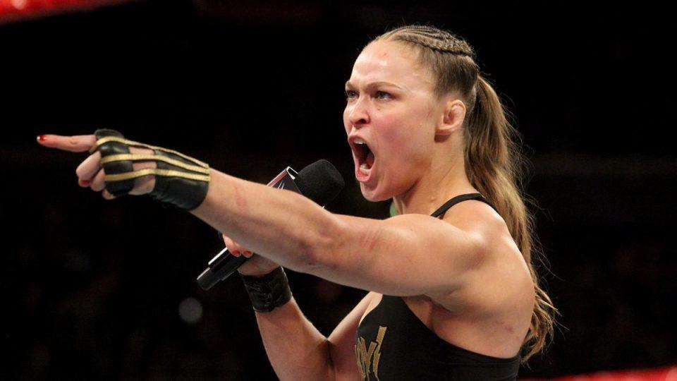 Женщины в боях ММА: слабая половина с сильными кулаками