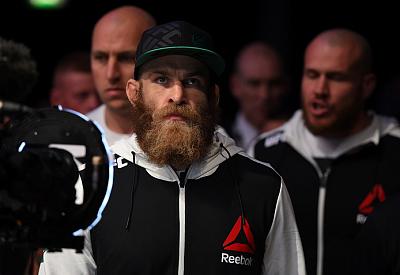 Фотогалерея: Турнир UFC Fight Night 76