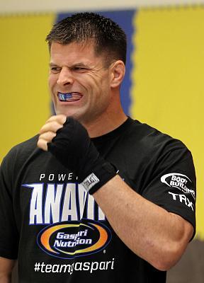 Фотогалерея: Открытая тренировка UFC on Fuel 2