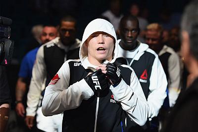 Фотогалерея: Турнир UFC 189